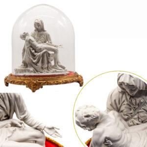 Scultura Pietá Bisquit con Campana